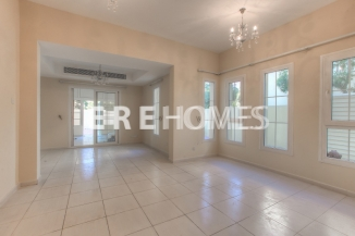 4 Bedroom Villa in Springs, ERE, 1.5