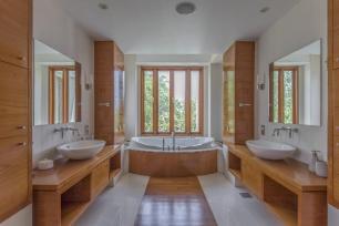 9 Bedrrom Villa in Emirates Hills, 1.7